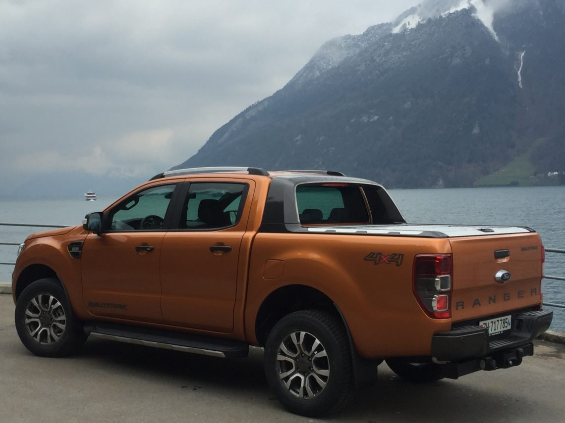 Xschweiz News Der Neue Ford Ranger Pick Up Heckansicht Vor See